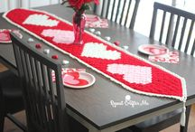 Crochet table runners and centrepiece ideas