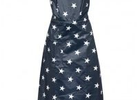 ♡ Kitchen dresses / Home baking queens need to dress in style. Look at all those pretty aprons.