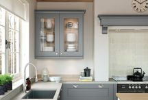 Florence Smooth Painted Shaker Range from Kitchen Stori