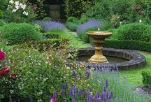 Circles in the Garden / Garden design