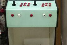 Máquina arcade bartop / Máquina realizada según planos y medidas de distintas páginas, falta alguna cosilla por terminar pero lo más importante es que funciona perfectamente