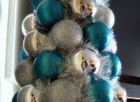 Christmas Decor Crafts / by Heather Chicuellar