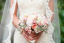 Florida Wedding Dresses to die for / Wedding dresses that are perfect for a South Florida Wedding.