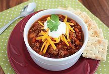 Best Chili Recipes on the Planet / These comforting chili dinners will keep you toasty this season—without sabotaging your weight loss goals. Now that's a win-win!