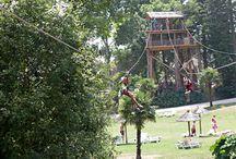 Loisirs / Activités / Un large choix d'activités et de loisirs, comme le parcours accrobranche, le mur d'escalade, la tour infernale, le tir à l'ar, le mini-golf, le tennis, les balades à vélo ou cheval...