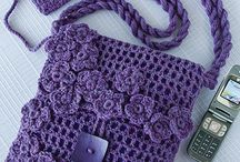 Free Crochet Patterns Bags and Purses / Crochet Bags and purses are quick and easy to make and are great gifts to give.  All these patterns are free