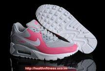 Woman's Nike Shoes