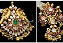 Pendents / gold Pendent or locket designs