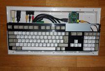 Memoria a Filo e ferrite / Quando feci il mio primo prototipo di Amiga 1200 Raspberry Pi mi chiedevo perché fosse così veloce rispetto al raspberry tradizionale.Dopo le prime domande pensavo fosse dovuto al fatto che i cavi hdmi possedevano dei blocchi di ferrite.... continua