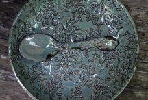 Craft > Ceramics > Texture