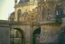 Castles, Chateaux