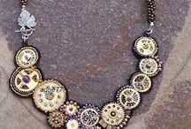 embroidery: collane e ciondoli