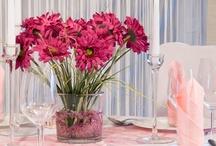 Hochzeitsdeko in Rosa / Mit der Tischdekoration in zartem Rosa gebt ihr eurer Hochzeitsfeier einen sehr eleganten und zarten Touch. Raindrops und Servietten in Rosa machen den Tisch zu einem Traum für die Gäste und das Hochzeitspaar. Erhältlich unter meine-hochzeitsdeko.de