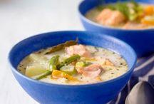 Herkullisia ja terveellisiä keittoruokia / Ideoita minkälaisia erilaisia herkullisia keittoja voi tehdä. Kasvis-, kala- ja liharuokia. Kaikkia yhdistää se, että ruoat ovat  terveellisiä ja herkullisia. Reseptien lisäksi muitakin ideoita ja vinkkejä keittoihin liittyen kuten esimerkiksi raaka-aineita, astioita tms.