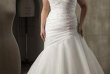 wedding dresses / by Shannon Edwards