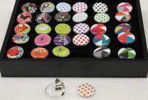 Yaya Factory / Yaya Factory est une jeune marque Quimpéroise qui vous propose des bijoux magnétiques et personnalisables selon votre humeur...