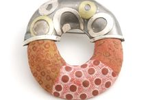 BIJOUTERIE/JEWELRY / The art of Jewelry - Wearable Jewelry - Fiber Jewelry - Textile Jewelry / by Caroline Rousset-Johnson