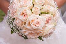 Bukiety ślubne / Najpiękniejsze inspiracje na bukiety ślubne, wiązanki ślubne, kwiaty do ślubu, bukiety ślubne dla Pany Młodej, kolorowe bukiety ślubne, wiosenne bukiety na ślub, klasyczne bukiety ślubne.