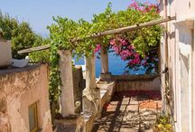 FILICUDI Love / Among the prettiest and least developed of the Aeolian Islands, Filicudi is also one of the oldest. Shaped like a snail when seen from some angles, the island entices visitors with a its rugged coastline lapped by crystal clear waters and pitted by deep grottoes. Your wedding experience will be rural, probably in one of the few small Aeolian local villages available, with the best food and most typical accommodation.