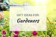 Gift Ideas for Gardeners / Keep your garden beautiful and unique with these awesome gift ideas! The gardener in your life will love all the great things we have on this list.