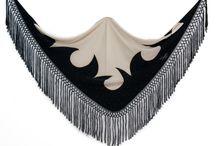 Mantoncillos de flamenca / Selección de mantones de flamenca. Visita nuestra tienda para encontrar estos complementos de flamenca.