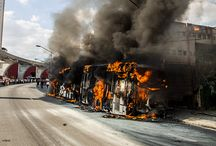 Bus in fire / This afternoon on a busy avenue in Sao Paulo