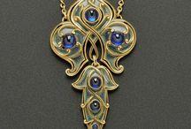 Art nuovo jewelry
