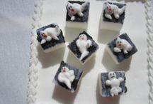 Decorated sugar cubes