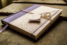 encuadernacion artesanal / Cuadernos artesanales hecho totalmente a mano tamaño. Lomo entelado y tapas en papel laminado. Detalles de cabezadas, cinta y elástico haciendo juego.