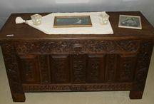 Antiquitäten: Kleinmöbel / Antike Kleinmöbel könnt ihr hier entdecken.  #möbel #antiquitäten #antiques #furniture