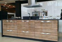 Cocinas Tienda LAS ROZAS / Estas son las exposiciones de muebles de cocina que puedes ver en nuestra tienda de LASAN DECORACION en las rozas, polígono EUROPOLIS