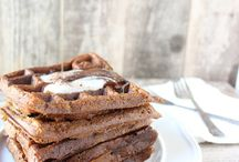 Egg-free breakfasts and bars / by Rebekah Zinser