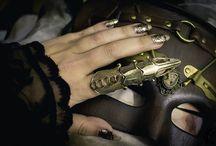 Anillos / Como me encantan los anillos, la verdad me gustaría tratar de hacerlos con armas o cuchillos. Solo digo.