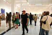 Bildungs- und Begegnungsreise zur DAK'ART / Aus Anlass der DAK'ART - Biennale für zeitgenössische afrikanische Kunst organisiert AfricAvenir alle zwei Jahre eine Bildungs- und Begegnungsreise nach Dakar, Senegal, die wir hier vorbereiten und dokumentieren möchten.
