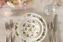Royal Wedding Table Settings / Wedgwood collaborated with the talented wedding stylist, Sundari Ferris, to create a selection of Royal Wedding inspired table settings. With an abundance of quintessentially British fine china, elegant floral arrangements and understated table decoration ideas, we have everything you need to hold your own Royal occasion in celebration of the exciting British Royal Wedding.