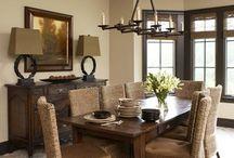 Yemek masasi ve lamba