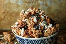 Granola, oatmeal & breakfast bowls