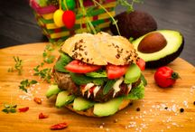 Burger Trends Report / The latest trends from Burger-centric restaurants' owners and chefs about their Burger buying decisions, menu ideations, and customer preferences.