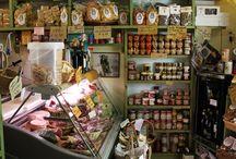 Italie, Toscane, Bolgheri / Een leuke dorpje met de langste cipressenlaan van Italië.
