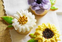 cakes & cupcakes / by Melissa Romero