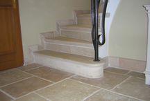 Escalier pierre reconstituée, Abbatiale; habillage escalier marches et contremarches / Marches et contremarches Abbatiales pour revêtement d'escalier en béton, habillage escalier pierre reconstituée, habillage escalier béton préfabriqué, escalier Abbatiale imitation pierre de Bourgogne, marche escalier Abbatiale réplique ancienne