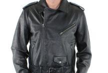 Cuir de vachette : resistant mais souple ! / Le cuir de vachette est très tendance. Son aspect est lisse et souple mais résistant. Il peut parfois ressembler à un cuir de buffle. Il peut subir divers traitement pour masquer ses défauts. Le cuir vachette lavé confère  un look vieilli.  Quoi mettre avec votre veste. Enfiler vite un jeans un pull et des bottes et vous êtes parez.  Voilà, c'est fini pour aujourd'hui, à très bientôt !  Commenter notre rubrique ou exposer votre opinion sur vos cuirs favoris, accompagné du #lamatierestar