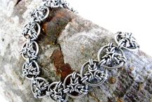 Chainmail jewelry and accesories