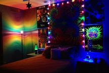 Hippie blacklight rooms