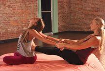 yoga di coppia