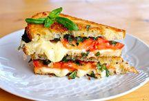 Gourmet Sandwiches / by Zebbie Borland .