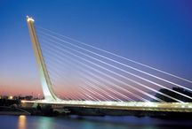 Calatrava, Herzog a Meuron, Sir Norman Foster / architekti  v organickej línii