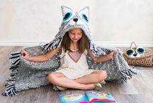 Crotchet hooded kids blankets