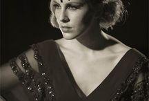 Old Vintage Glamour / A beautiful range of vintage inspired red carpet headdresses