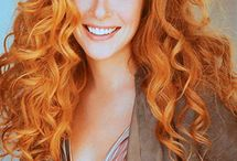 Curly Red Hair / Red hair comes in all sorts of textures and lengths. Here we share love for curly red hair. #redheads